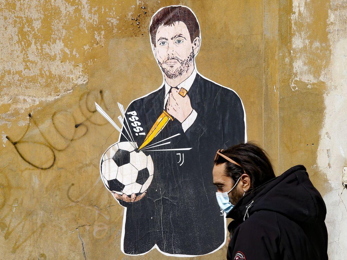 Foto: Grafiti contra Agnelli, presidente de la Juventus, en las calles de Roma. (EFE)
