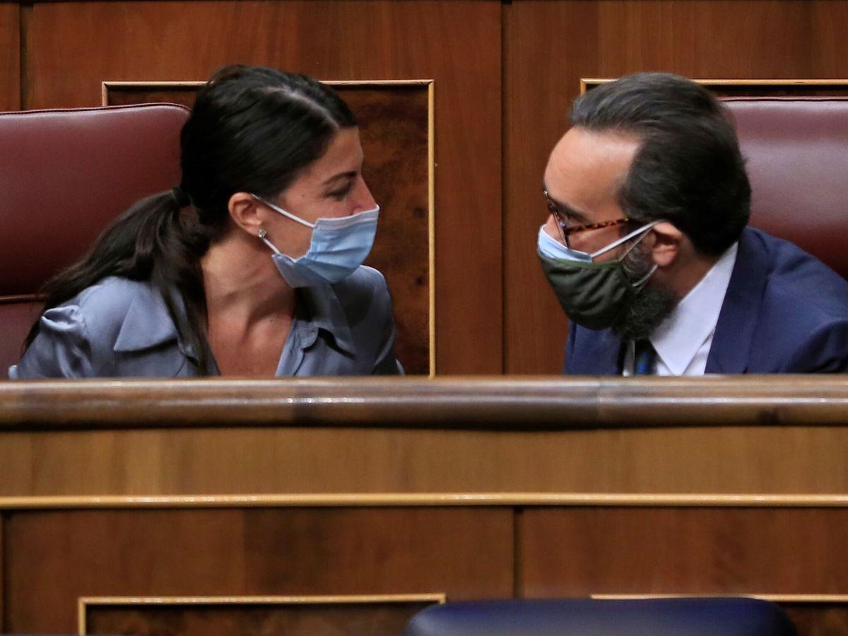 Foto: Macarena Olona y José María Sánchez. (EFE)
