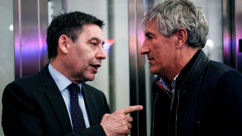 Foto: Josep María Bartomeu con Quique Setién. (EFE)