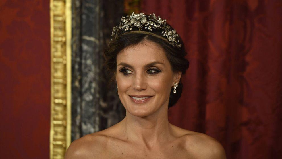 La reina Letizia, ocho años después: mismo vestido, distinta mujer