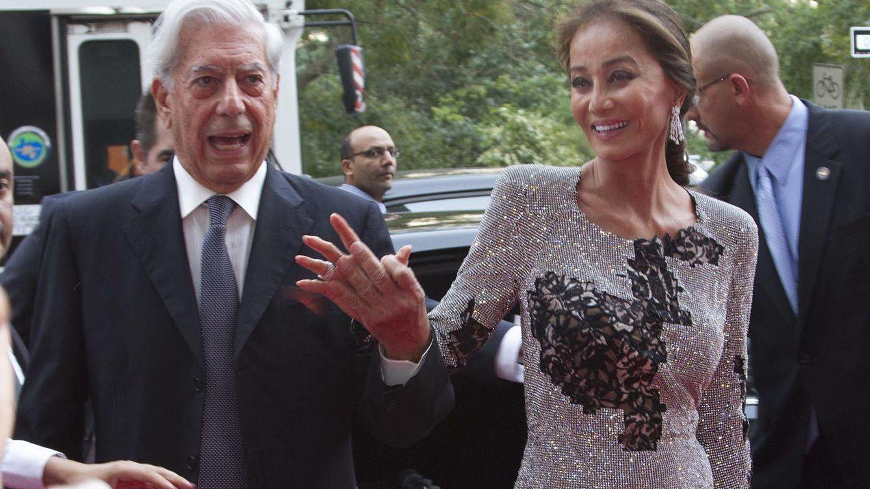 Foto: Isabel Preysler y Mario Vargas Llosa llegan a Nueva York de la mano