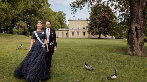 Victoria de Suecia se atreve con un vestido de gala de H&M y este es el resultado