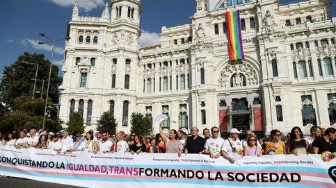 La bandera LGTBI ondeará a la izquierda de Cibeles y será distinta a la de Carmena