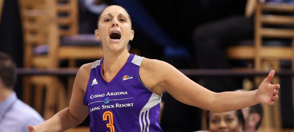 Foto: Taurasi se llevó el trofeo de 'MVP' de las finales de la WNBA (Reuters)