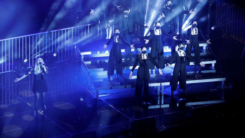La cantante Maryan Frutos en un momento de la actuación. (EFE)