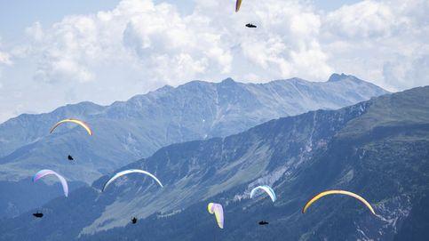 Copa del Mundo de Paracaidismo y perseidas en Monfero: el día en fotos