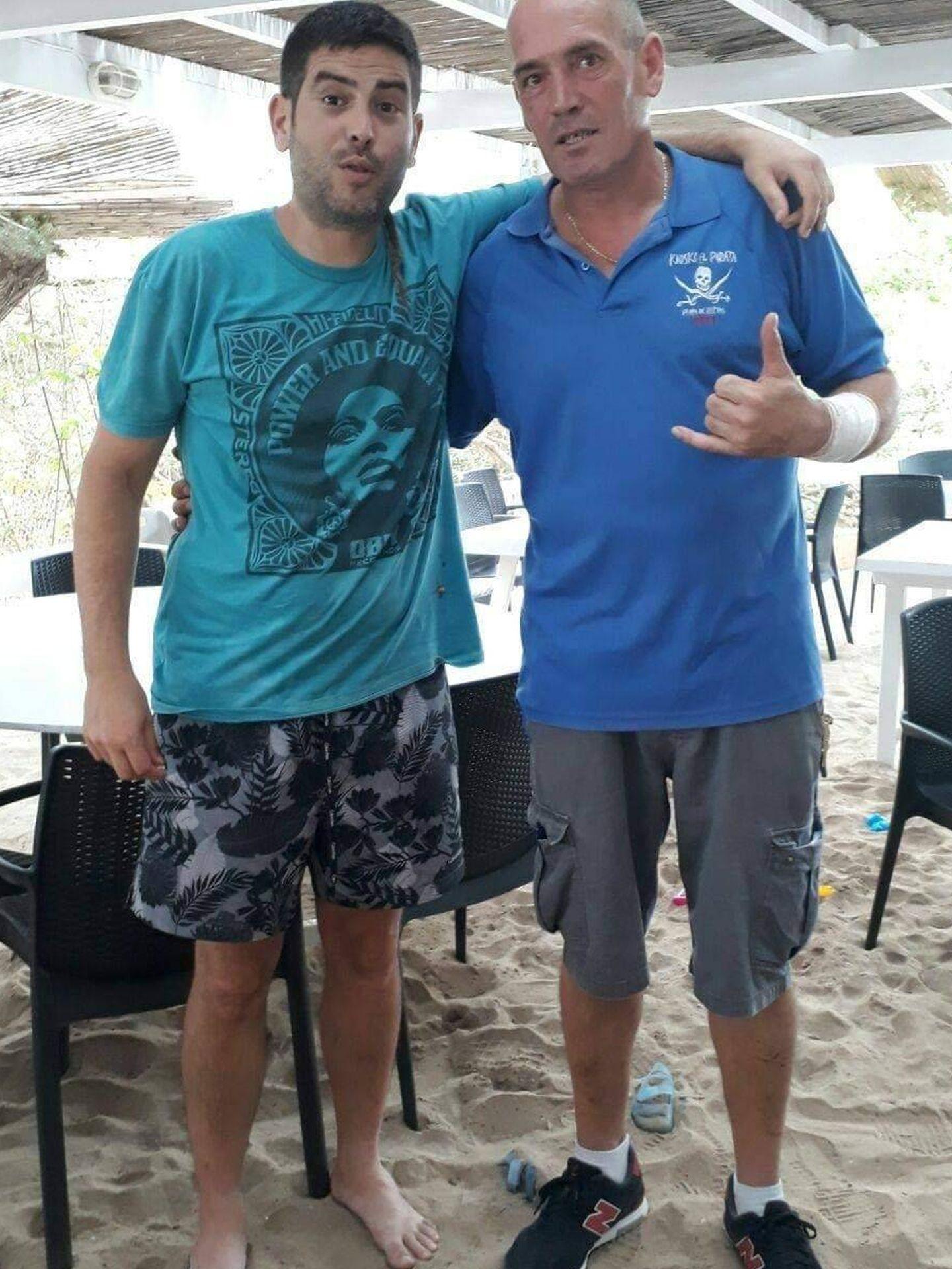 Uno de los hermanos Muñoz, de Estopa, en El Pirata. (RRSS)