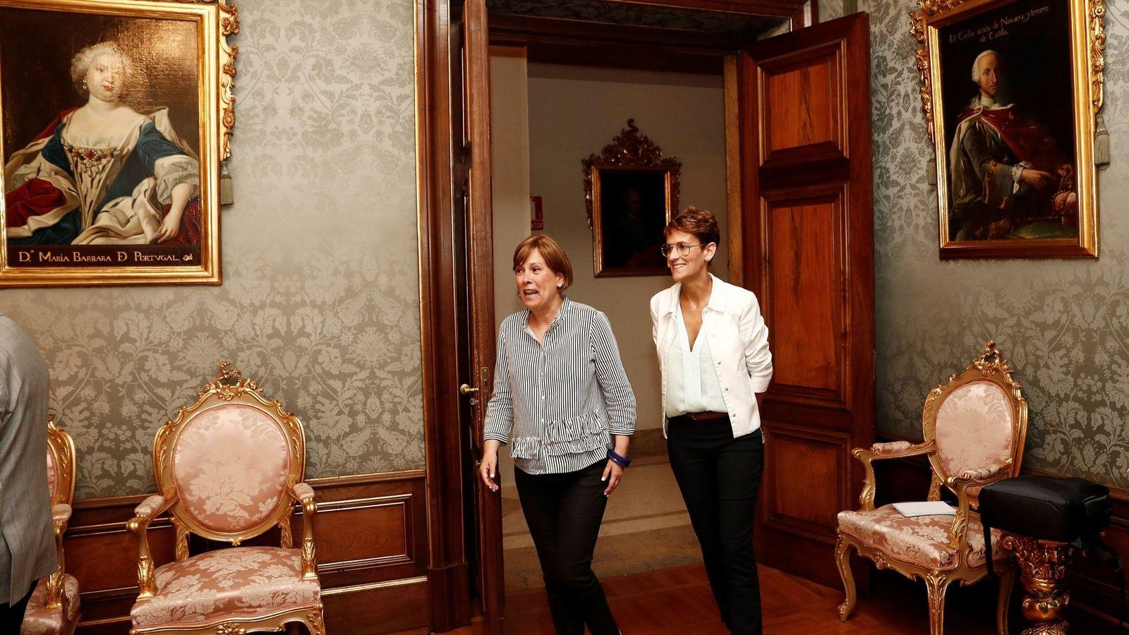 Foto: Uxue Barkos y María Chivite formalizan en agosto el traspaso de poderes a la dirigente socialista. (EFE)