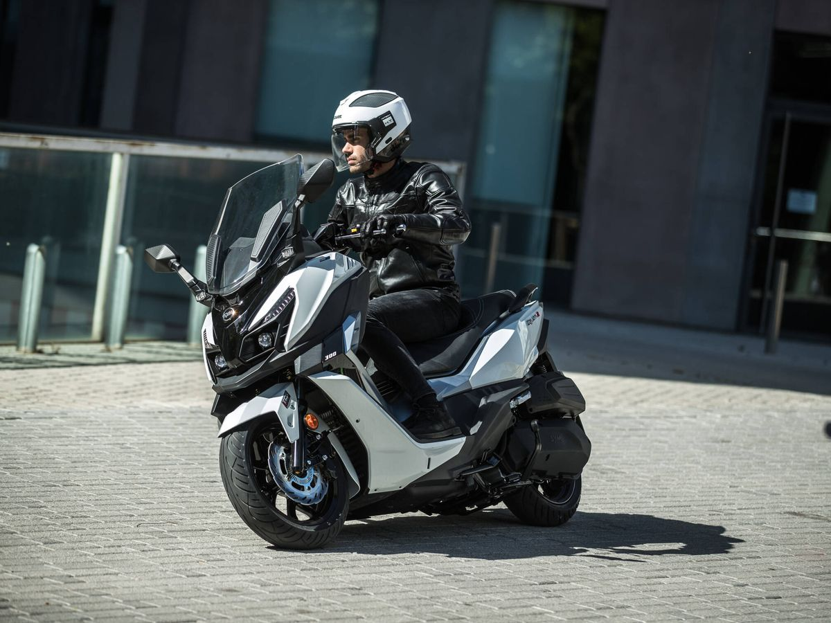 Foto: El SYM Cruysim Alpha 300 es un scooter GT de media cilindrada, con una potencia de 25,6 CV.