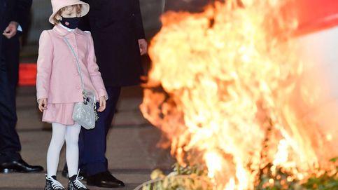 Gabriella de Mónaco y su look de Dior con bolso de 3.000€ incluido (¡y solo tiene 6 años!)