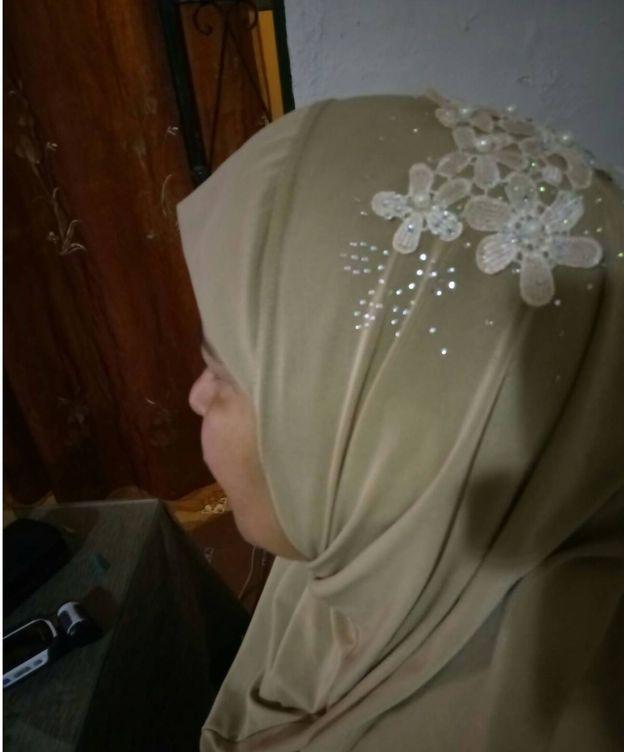 Foto: Mbarka Khettab, la musulmana que vive en Sevilla con quien se ha puesto en contacto El Confidencial.