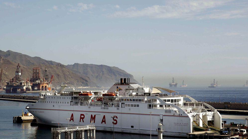 Foto: Uno de los buques de Naviera Armas, comprador de Trasmediterránea. (EFE)
