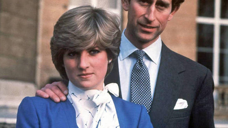 La princesa Diana, junto al príncipe Carlos en febrero de 1981. (EFE)