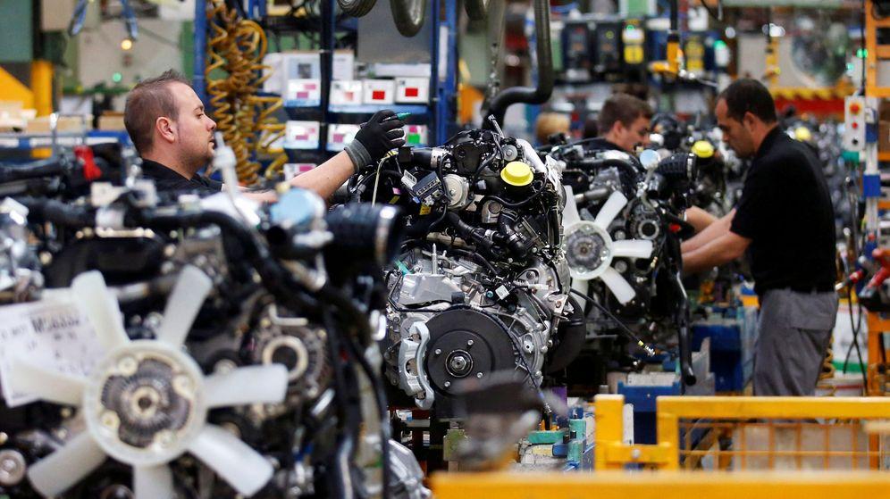Foto: Línea de producción de coches en Barcelona. (Reuters)