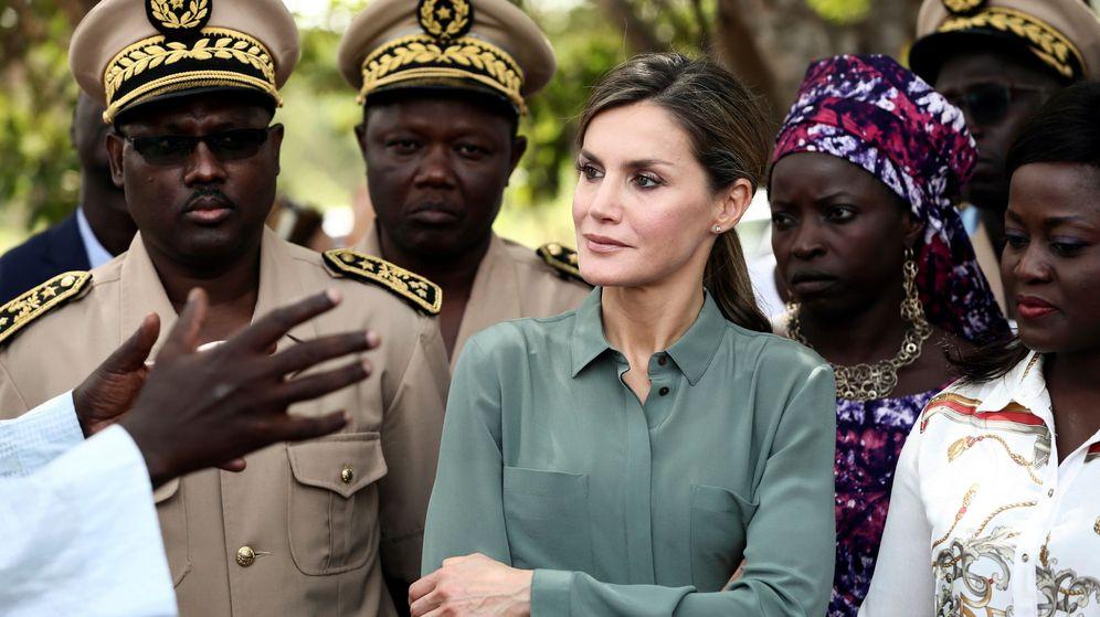 Foto: La reina Letizia durante su viaje a Senegal en 2017. (EFE)