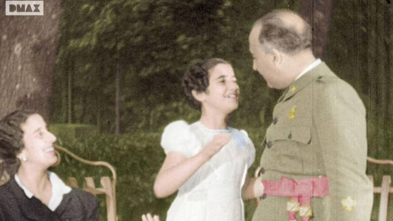 Carmen Franco, junto a sus padres en un documental de DMAX.