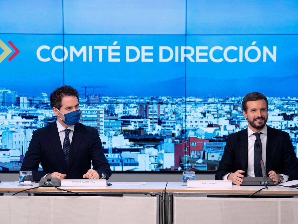 Foto: El líder del Partido Popular, Pablo Casado (d) y el secretario general del partido, Teodoro García Egea (i). (EFE)