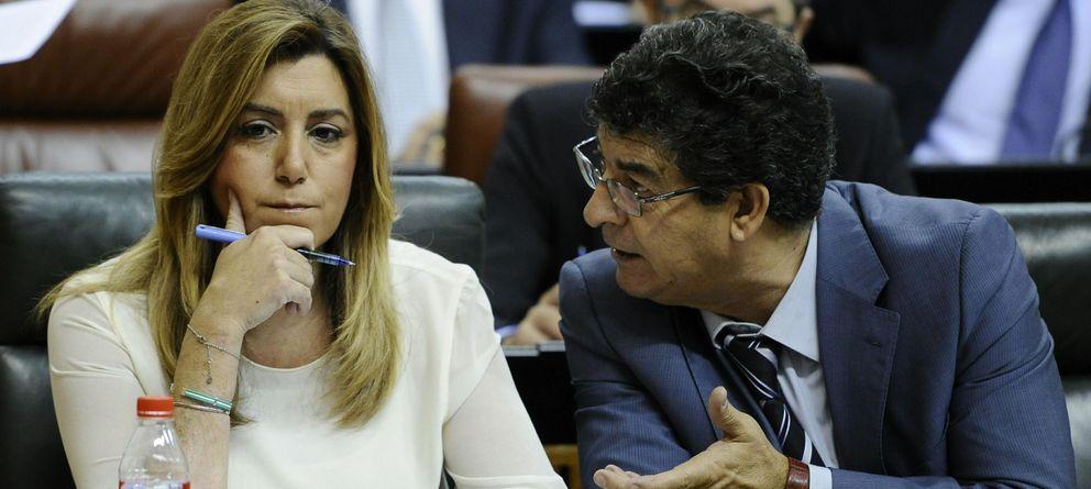 Foto: La presidenta andaluza, Susana Díaz (i), y el vicepresidente Diego Valderas, de Izquierda Unida. (EFE)