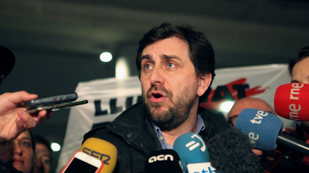 Foto: El exconsejero de la Generalitat de Cataluña huido a Bélgica Toni Comín. (EFE)