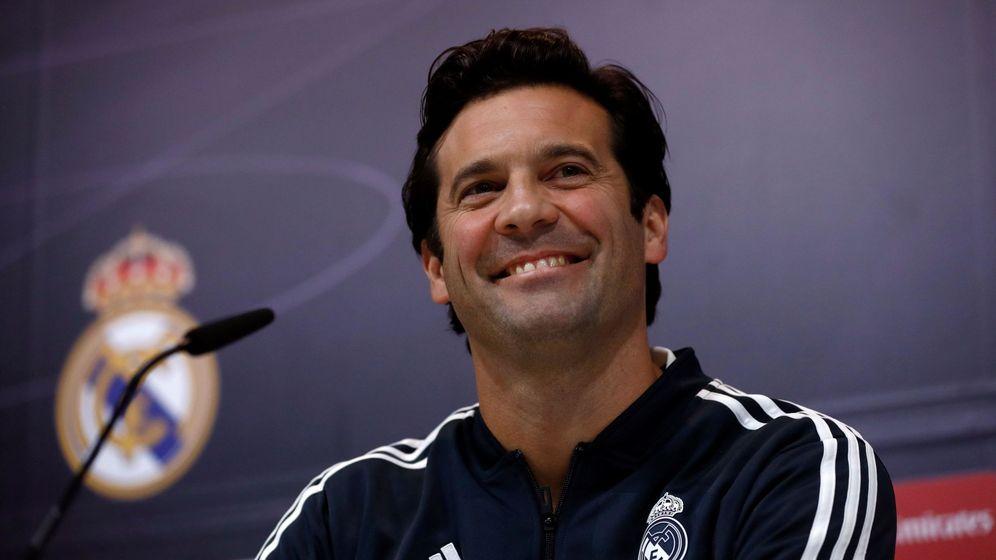 Foto: Solari, sonriente, durante una conferencia de prensa. (EFE)