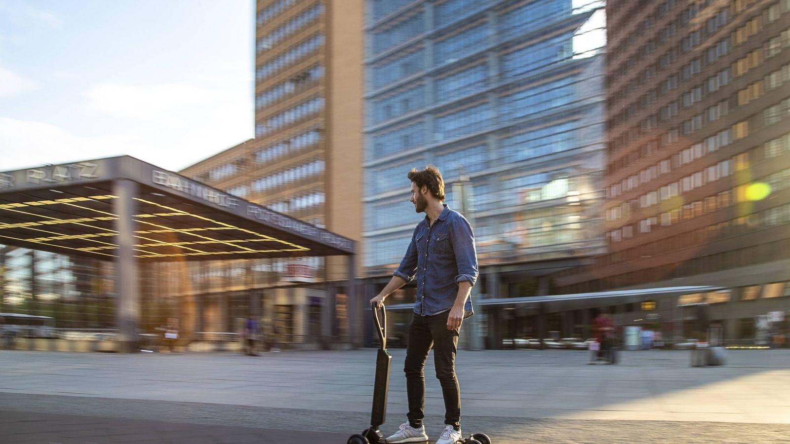 Foto: La movilidad en el centro de las grandes ciudades estará asegurada con el Audi e-tron Scooter.