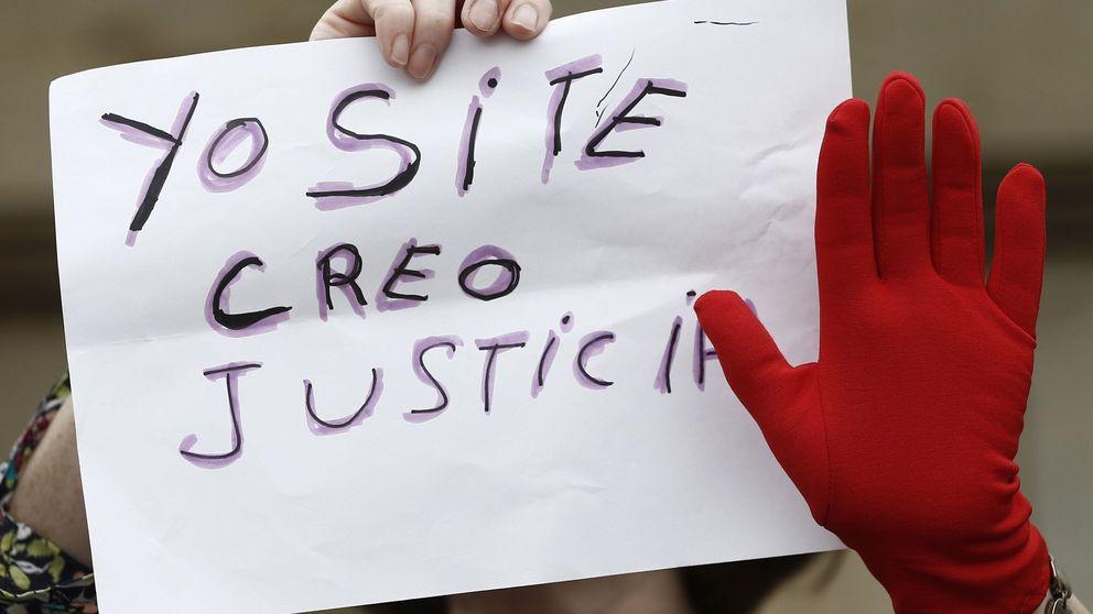 Cárcel y 15.000 euros por una sátira contra la prensa: sentencia al falso 'tour de la Manada'