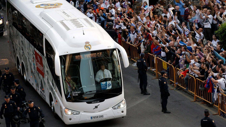 La Policía refuerza la escolta en los traslados del Madrid-Bayern para evitar atentados