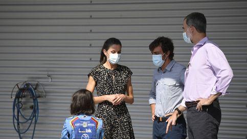 Felipe y Letizia ponen fin a su gira compartiendo acto con Fernando Alonso
