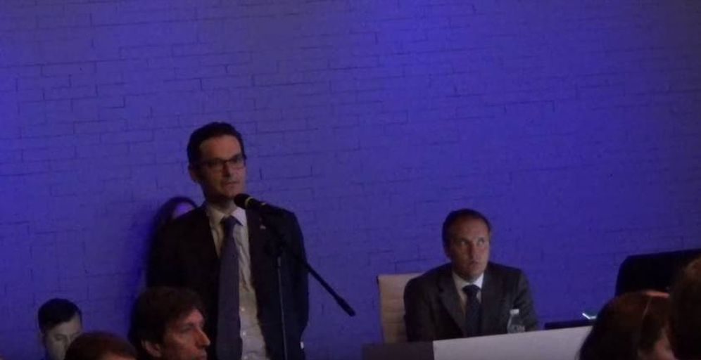 Foto: El empresario Joseph Oughourlian durante su intervención. (YouTube)