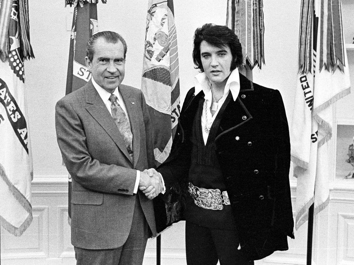 Foto:  La histórica reunión de Nixon y Elvis en el Despacho Oval. (Getty)