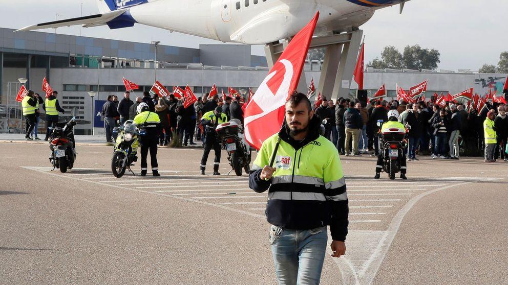 La huelga paraliza en Sevilla las fábricas de Airbus, que amenaza con más ajustes