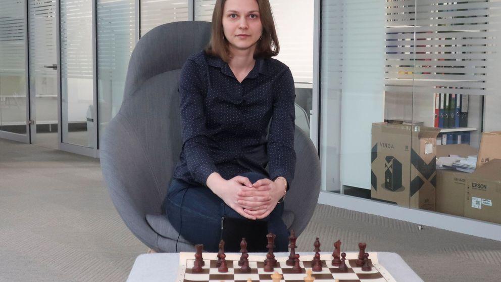 ¿Dónde están los aliados de la campeona de ajedrez Anna Muzychuk?