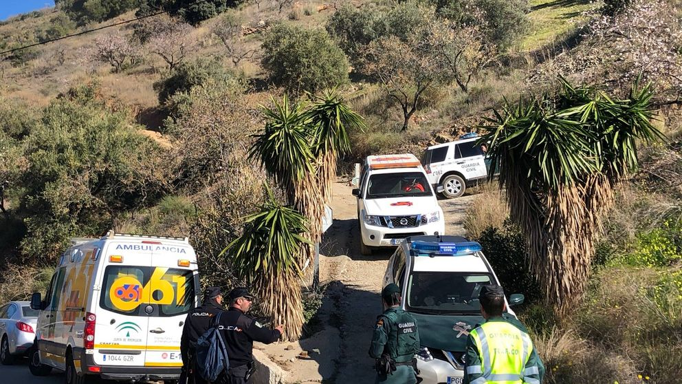 Carrera contrarreloj para rescatar al niño que cayó al pozo de Totalán (Málaga)