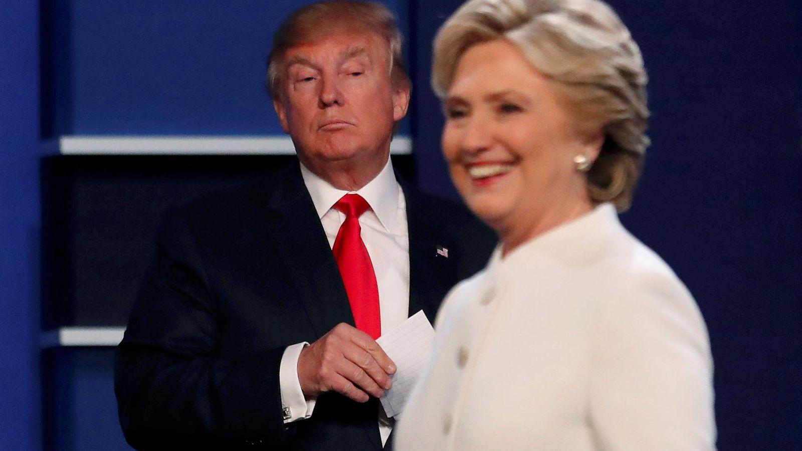 Foto: Donald Trump y Hillary Clinton durante el tercer debate. (Reuters)