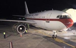 Aterriza en Torrejón el avión de la Reina que sufrió una avería