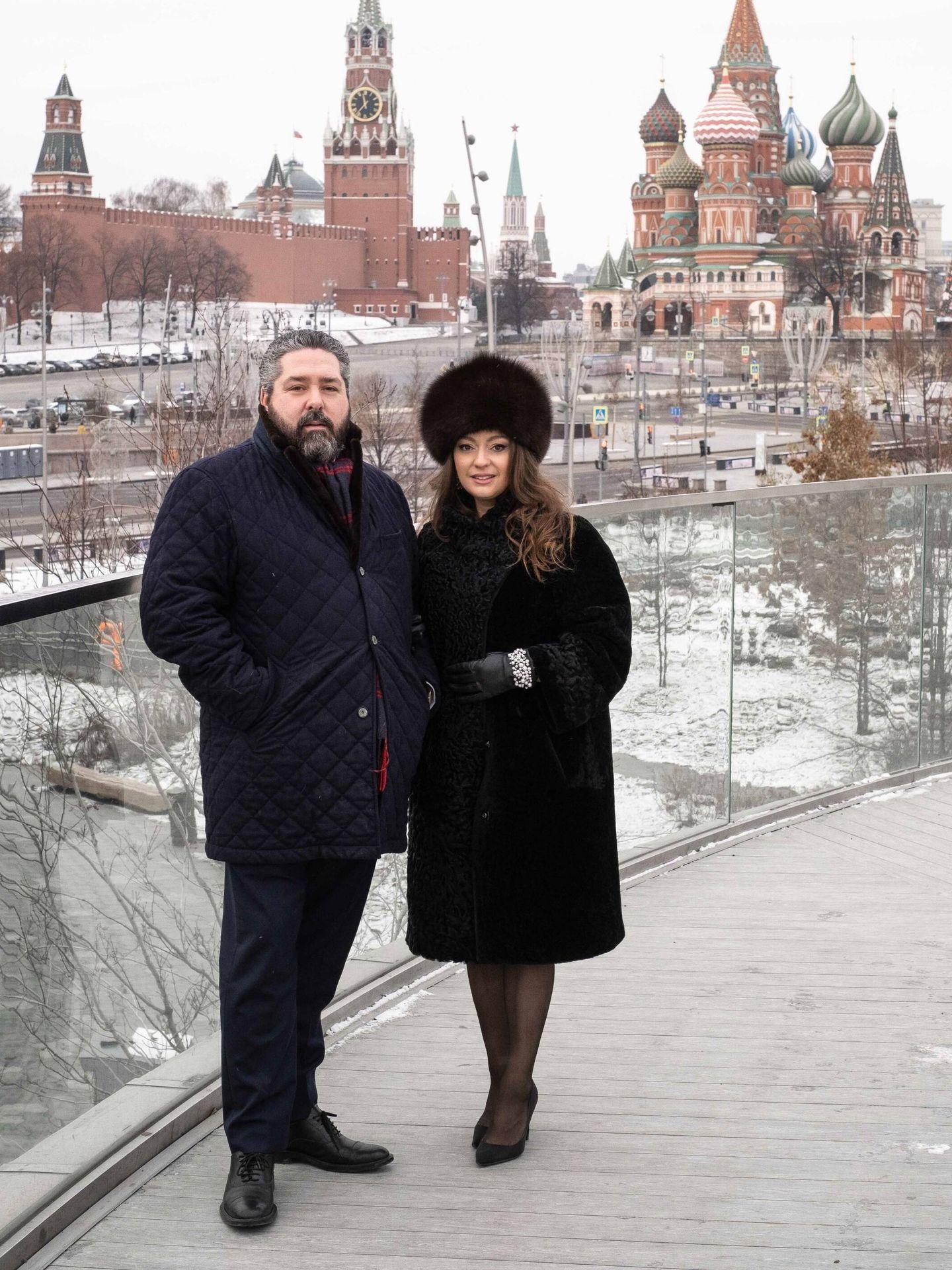 El gran duque Jorge de Rusia y Rebecca Bettarini. (Cancillería de la Casa Imperial rusa)