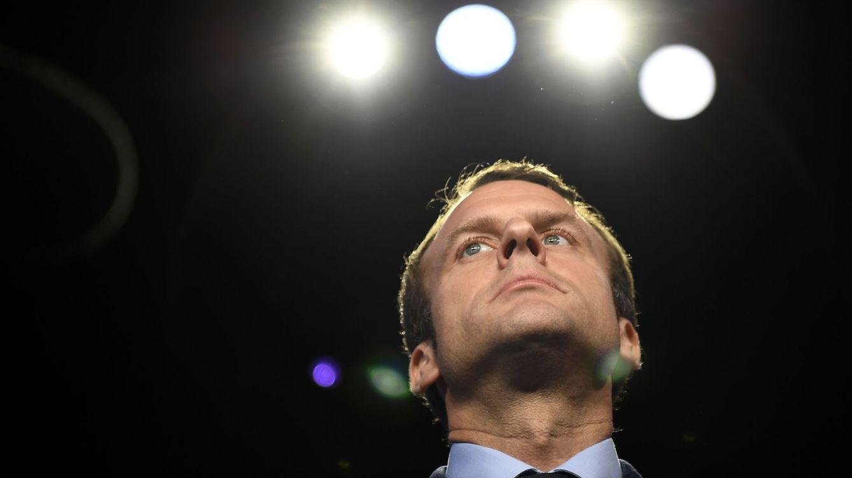Foto: Emmanuel Macron durante el debate televisivo junto a los otros 10 candidatos a la presidencia, el 4 de abril de 2017. (Reuters)