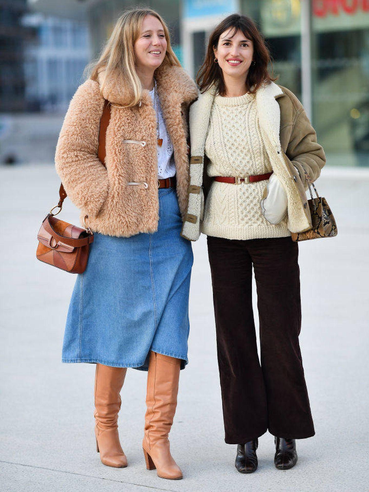 El outfit de Jeanne Damas en París. (Getty Images)