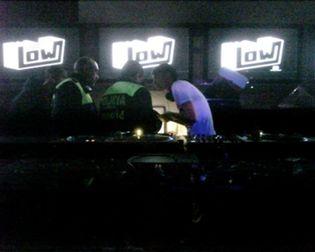 Foto: SGAE revisa las maletas de los 'Dj´s': si los discos son copiados se terminó la fiesta
