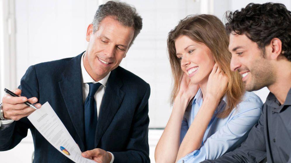 Foto: Venta de un préstamo en una entidad bancaria.