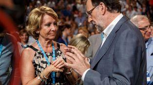 Aguirre le enseña a Rajoy la puerta de salida