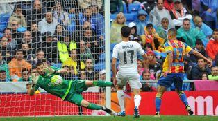Casilla se come el marrón de quien le prohibió responder en catalán