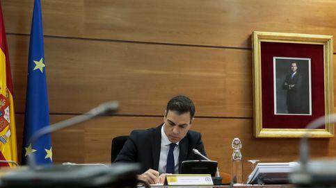 Dragó, Ussía o Ariza firman un manifiesto contra Sánchez y en defensa de las protestas