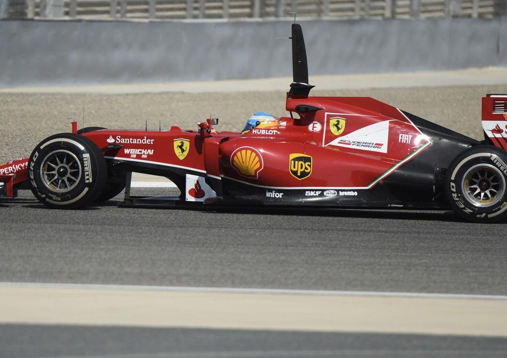 Foto: Fernando Alonso en el segundo día de pruebas de Sakhir.