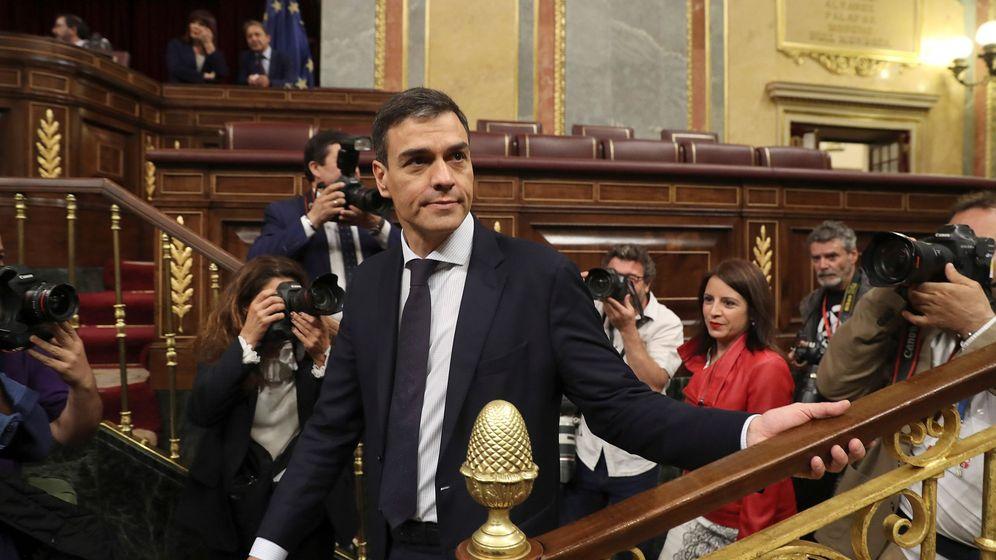 Foto: Pedro Sánchez en la segudna jornada de la moción de censura contra Mariano Rajoy   EFE J.J. Guillén