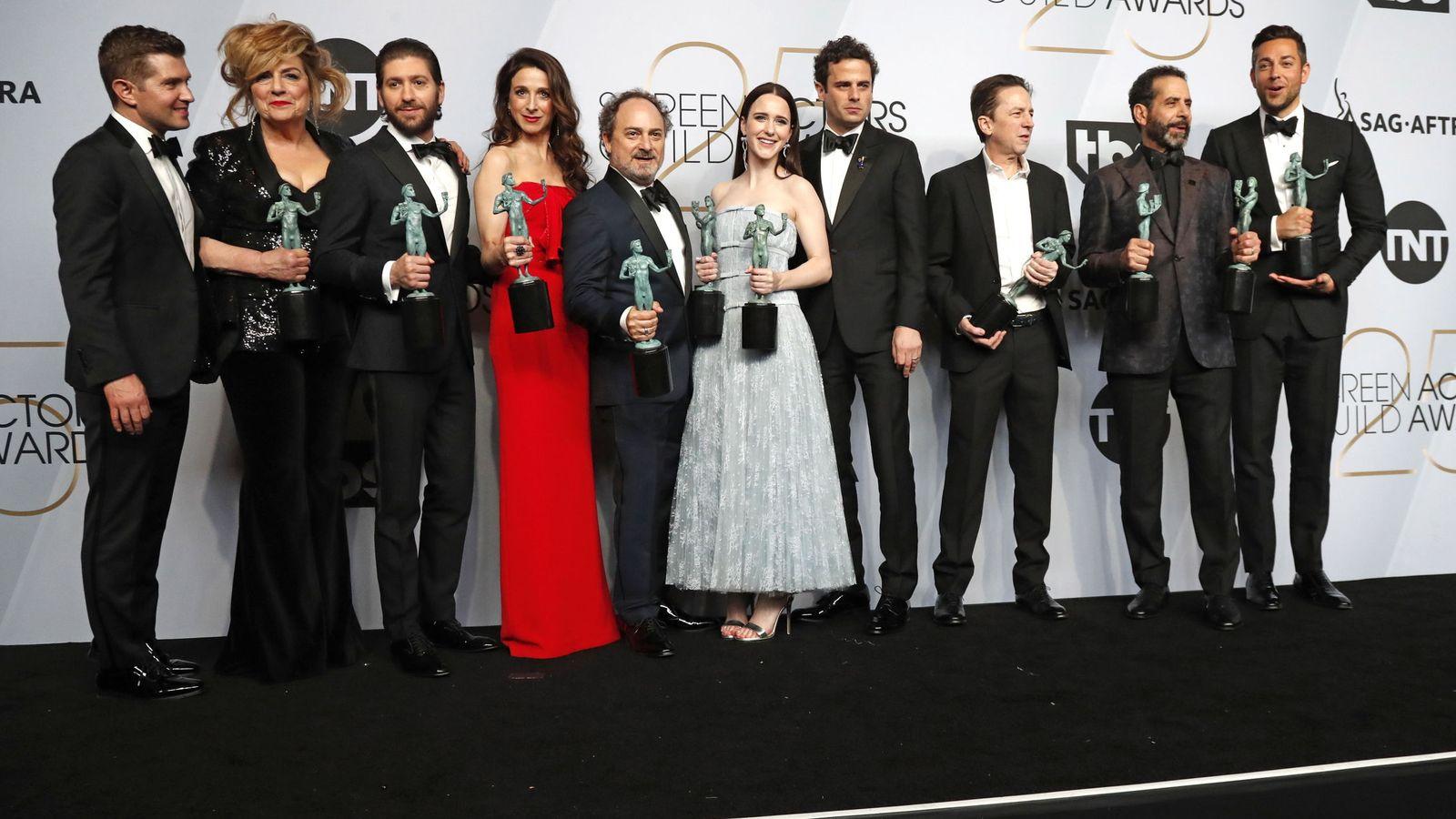 Foto: El reparto de 'The Marvelous Mrs. Maisel' en la 25 edición de los SAG Awards.