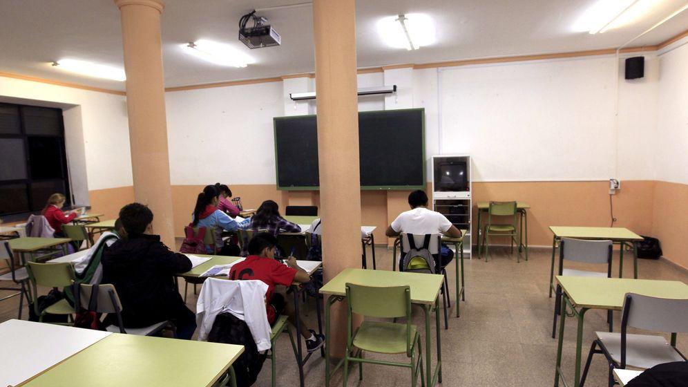 Foto: Vista de una de las aulas de un Instituto de Educación Secundaria de Madrid. (EFE)