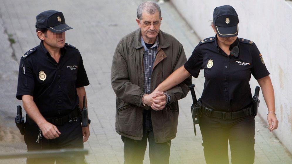 Foto: Miguel Rosendo, líder de los Miguelianos, a su llegada al juicio. (EFE)