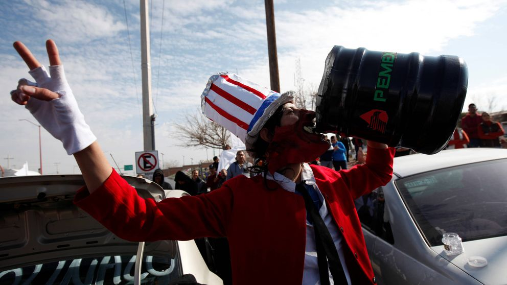 Gasolinazo, inflación y efecto Trump: el cóctel que hunde a los mexicanos