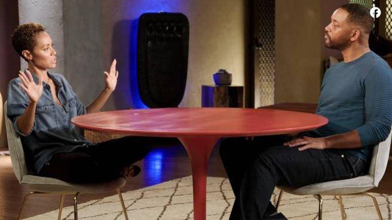 Jada Pinkett Smith y Will Smith, durante el programa 'Red Table Talk'. (Facebook)